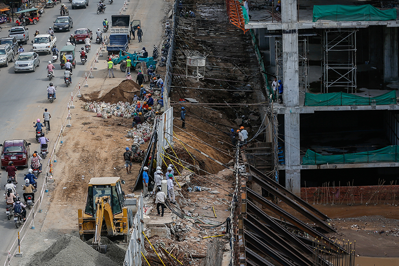 Government Blames Development Company for Road Collapse - The