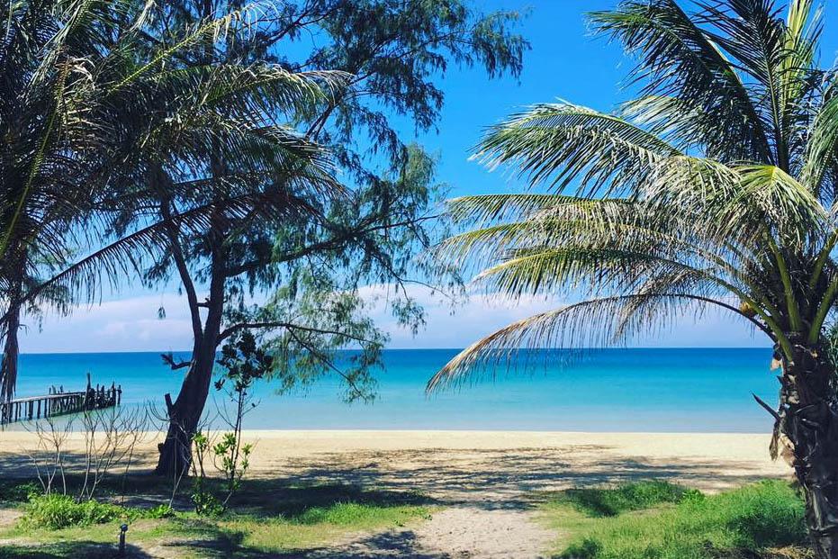 Home News Koh Rong Samloem Beach Makes Global Waves Trees Line Lazy